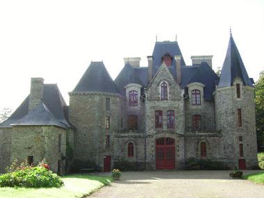 chateau-Ville-Queno-OT-La-Gacilly