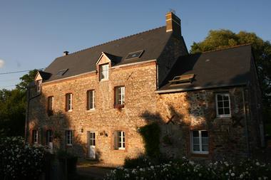 HLO53_moulin des forges facade extérieure
