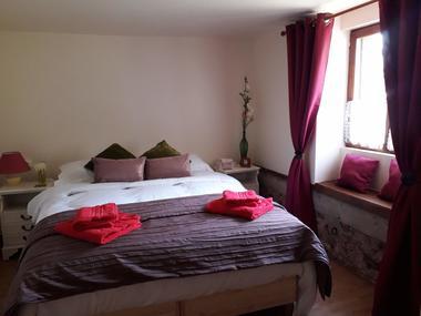 Bedroom 1 - Kingsize