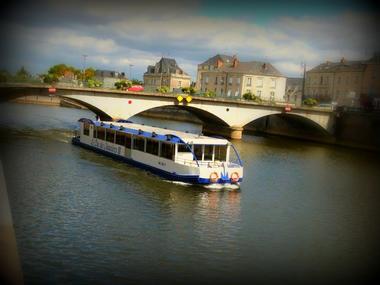 LOI-bateau-croisiere-le-duc-des-chauvieres 1