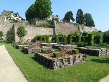 PCU-jardin-medieval-de-la-source (7)
