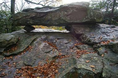 PNA53- La pierre des Diables à Sainte-Suzanne