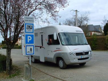 aire-camping-car-juvigne-53-2