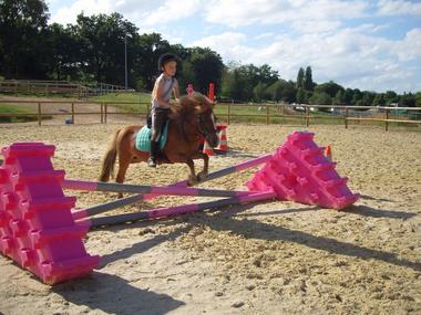 centre-equestre-ambrieres-les-vallees-asc-1