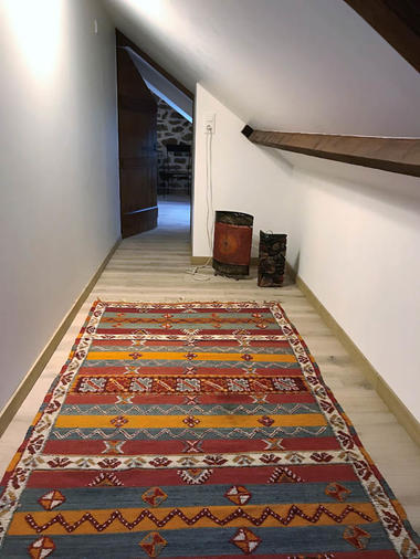 gite-montebrun-couloir