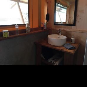HPA 53 salle de bain lodge