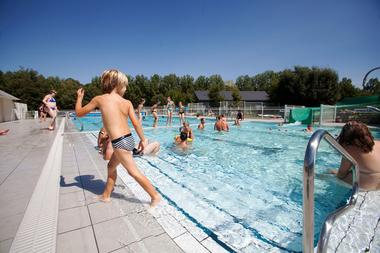 piscine-ambrieres-les-vallees-53-loi-1