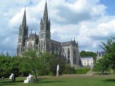 La Chapelle Montligeon - La basilique