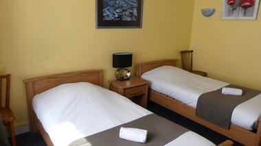 la-haye-pesnel-hotel-duguesclin-6