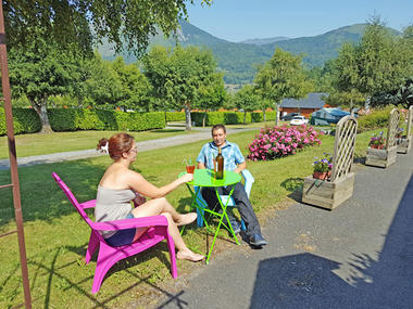 terrasse2-campingdulac-arcizansavant-HautesPyrenees