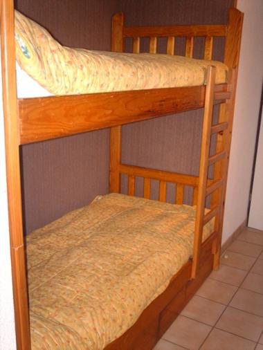 BRUZAUD Christian 4/6 pers - chambre 2