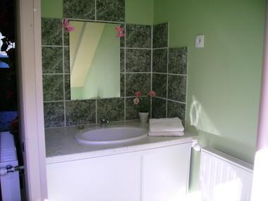 LE CAMPBIEILH-Chambres à louer-Chambre 1 - Salle d'eau
