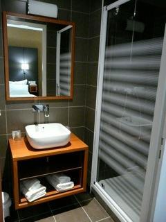 HOTEL BRECHE DE ROLAND - Salle d'eau 3