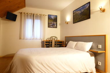 SIT-Hotel-Gare-Pierrefitte-Hautes-Pyrenees (13)
