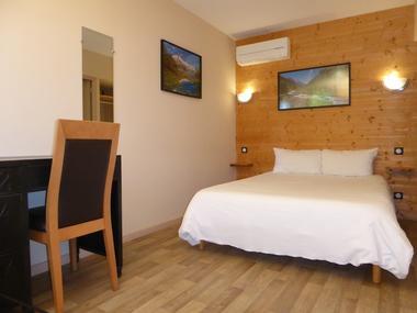 SIT-Hotel-Gare-Pierrefitte-Hautes-Pyrenees (4)