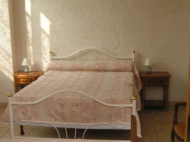 chambre-vignesmarc5-laubalagnas-HautesPyrenees