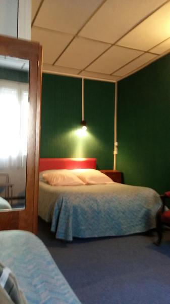 chambre1-hoteldelaposte-bareges-HautesPyrenees