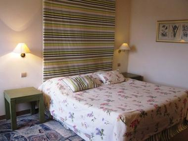 chambre1-hotelleviscos-saintsavin-hautespyrenees
