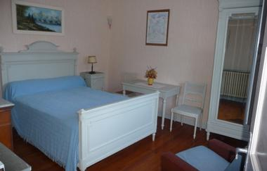 chambre1-morinelise-argelesgazost-HautesPyrenees.jpg