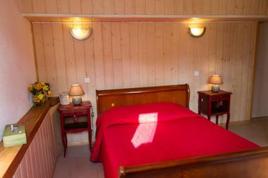 chambre1-nobecourt-arrasenlavedan-HautesPyrenees