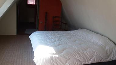 chambre2-burjouanne-saintsavin-HautesPyrenees