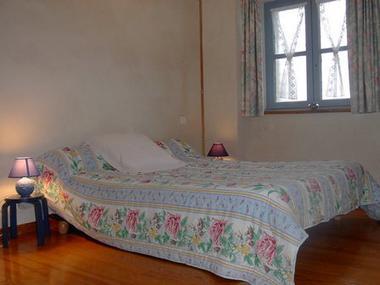 chambre2-centieu-salles-HautesPyrenees (2)