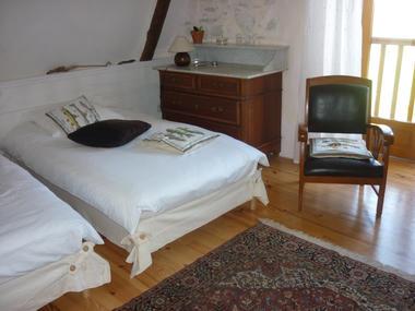 chambre2-dubie-arrensmarsous-HautesPyrenees