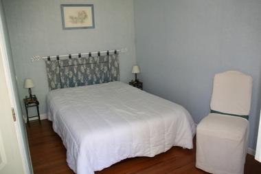 chambre2-marquegite-ayzacost-HautesPyrenees