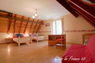 chambre2-sarthe-pierrefittenestalas-HautesPyrenees