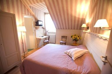 chambre4-hotelbonrepos-jarno-argelesgazost-HautesPyrenees.jpg