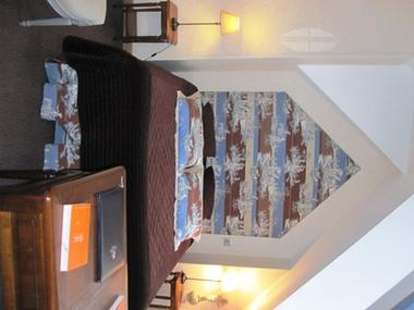 chambre4-hotelleviscos-saintsavin-hautespyrenees