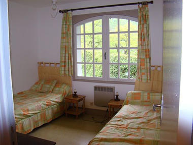 chambre5-garderes-gedre-HautesPyrenees