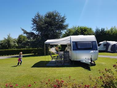 emplacement1-campingdulac-arcizansavant-HautesPyrenees