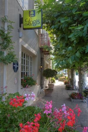 entrée2-hotelbonrepos-jarno-argelesgazost-HautesPyrenees.jpg