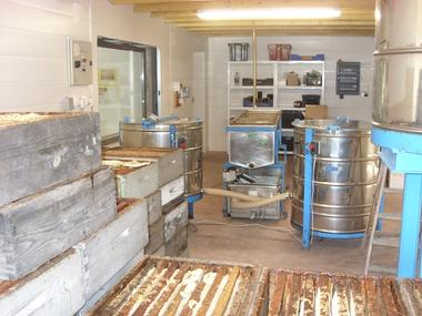 laboratoiremielleriedesescales-villelongue-HautesPyrenees.jpg