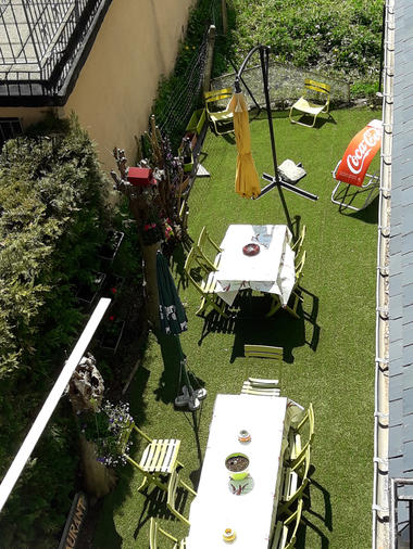 A-patio1-bernard-gavarnie-HautesPyrenees