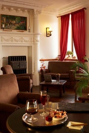 salon-grandhoteldefrance-pierrefittenestalas-HautesPyrenees- christinecayre.jpg
