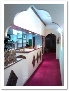 200033_restaurant_agra_couloir
