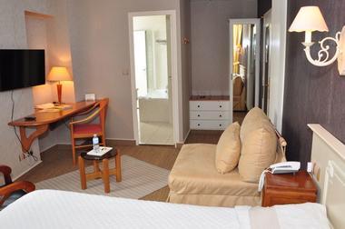 Grand Hôtel Mayenne - Chambre