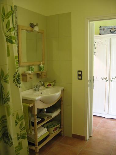 green  bath 1 IMG_5589