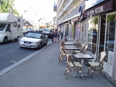 Au Bon Accueil - Lisieux (terrasse)