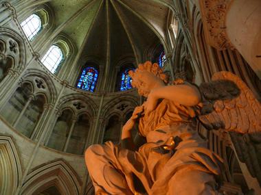 Cathedrale Saint Pierre, détail de l'intérieur - Lisieux