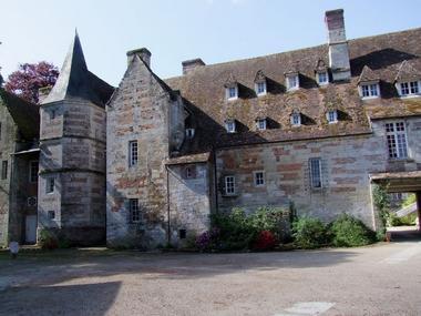 Cour intérieure. Château Le Kinnor