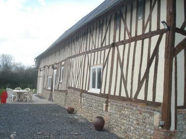 Chez Hubert Verhaest à Moyaux Terrasse