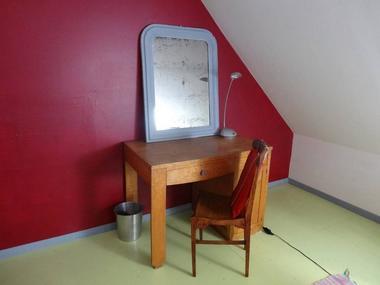 Delphine Zangs Chambre d'hôtes à Glos prés de Lisieux bureau chambre