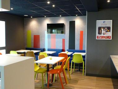Hotel - Ibis Budget - Lisieux - salle de petit déjeuner