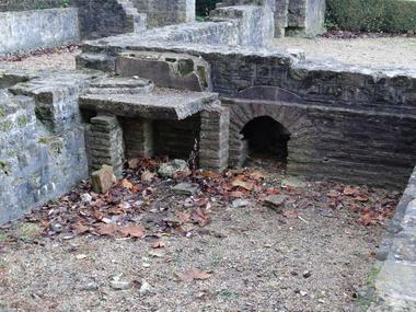 Jardin archéologique Lisieux (1)