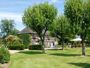 La Bergere Chez Hendrika Walthaus Chambre d'hôtes à Lisieux prés de Lisieux Jardin