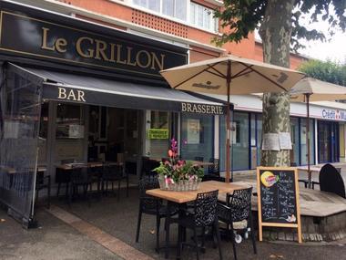 Le Grillon Lisieux Terrasse