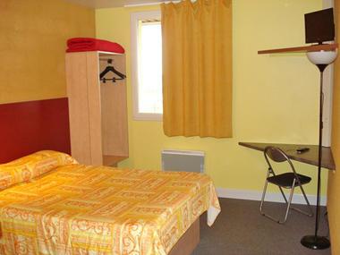 Libre-Hotel à Orbec - chambre
